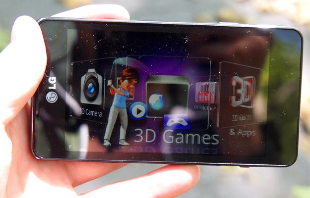 Comparisons Between the LG Optimus 3D Max P720 vs the Galaxy S3